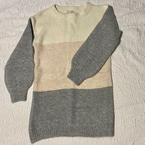 SKIES ARE BLUE Tunic Sweater
